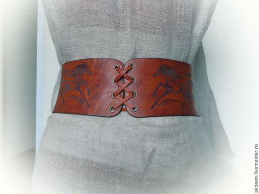 """Пояса, ремни ручной работы. Ярмарка Мастеров - ручная работа. Купить Широкий пояс """"Лошади"""". Handmade. Рыжий, кожаный пояс"""