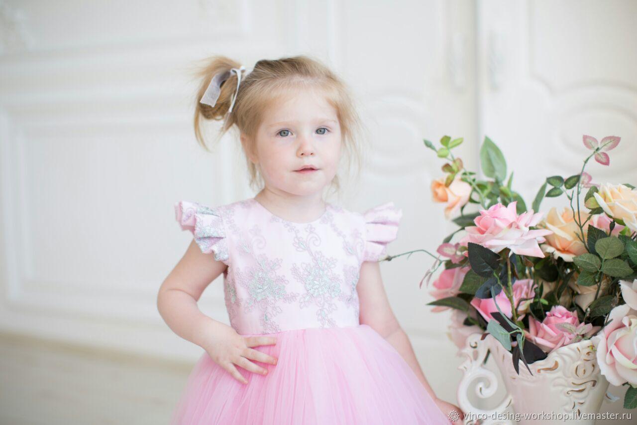 Платье для девочки розовое с кружевом