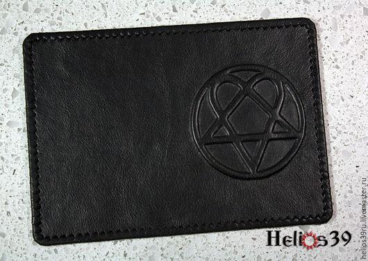 Обложка для паспорта с тиснёным логотипом группы HIM `Heartagram`