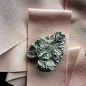 Украшения ручной работы. Ярмарка Мастеров - ручная работа Лопух лист брошь-кулон, медь, серебрение, патина. Handmade.