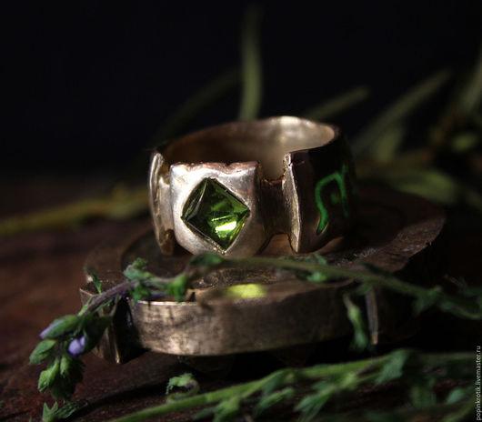 """Кольца ручной работы. Ярмарка Мастеров - ручная работа. Купить Большое кольцо """"Защитника"""" (X). Handmade. Кольцо, магия"""