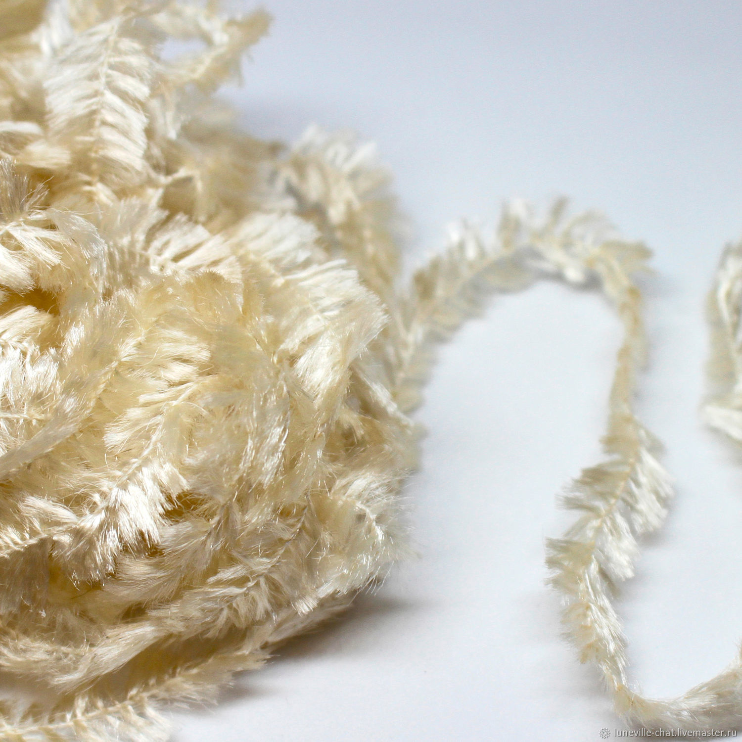 A copy of the work French chenille with the effect of feathers, Thread, St. Petersburg,  Фото №1