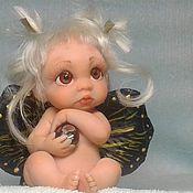 Мини фигурки и статуэтки ручной работы. Ярмарка Мастеров - ручная работа Астра...девочка-бабочка с натуральным агатом в ручках.... Handmade.