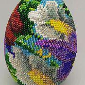 Подарки к праздникам ручной работы. Ярмарка Мастеров - ручная работа Яйцо, обвязанное чешским бисером. Handmade.