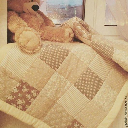 Пледы и одеяла ручной работы. Ярмарка Мастеров - ручная работа. Купить Комплект: Лоскутное одеяло, подушка  и простынь на резинке. Handmade.