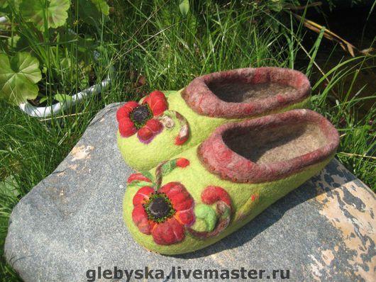 """Обувь ручной работы. Ярмарка Мастеров - ручная работа. Купить Тапочки """"Аленький цветочек"""". Handmade. Домашние тапочки, чешский бисер"""