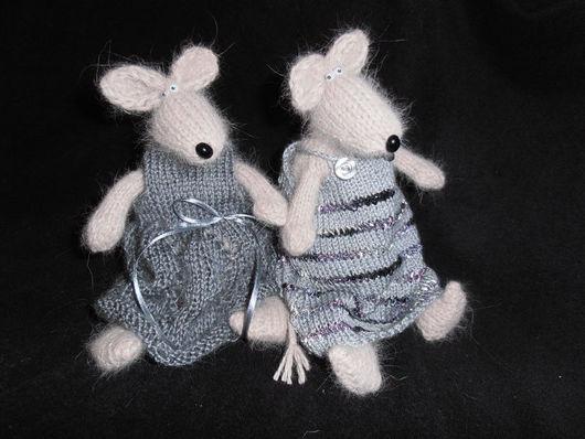 Детская ручной работы. Ярмарка Мастеров - ручная работа. Купить Две мышки. Handmade. Вязаная крыса, вязаная игрушка, серый