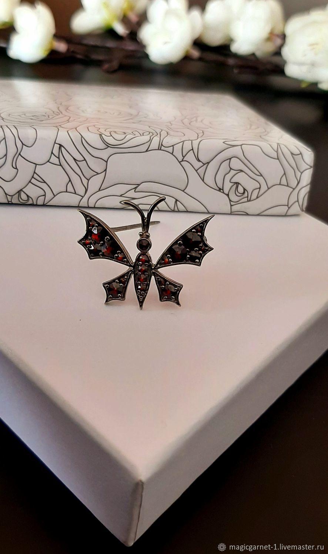 Милая, изящная брошь-бабочка с чешскими гранатами, Брошь-булавка, Калининград,  Фото №1