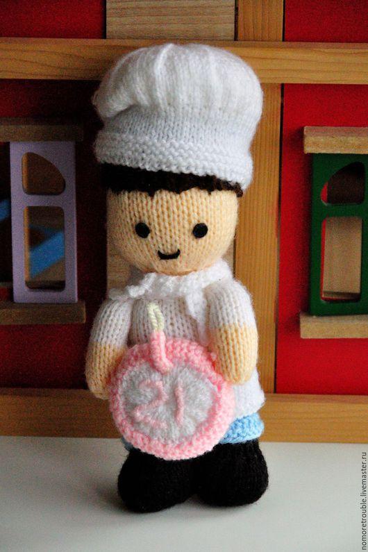 Человечки ручной работы. Ярмарка Мастеров - ручная работа. Купить Вязаная кукла Повар (Англия). Handmade. Вязаная игрушка