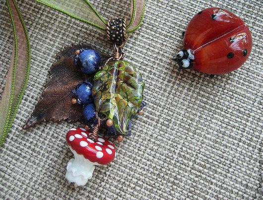 """Кулоны, подвески ручной работы. Ярмарка Мастеров - ручная работа. Купить Кулон - """"По грибы и ягоды"""". Handmade. мухомор"""