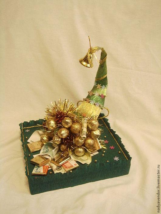 подарок ручной работы  букет из конфет Новогодний рог изобилия мастер Надежда Ярмарка мастеров