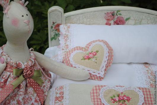 Куклы Тильды ручной работы. Ярмарка Мастеров - ручная работа. Купить Кроватка кукольная с набором белья. Handmade. Подарок для девочки