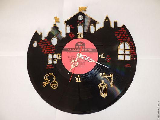 Часы для дома ручной работы. Ярмарка Мастеров - ручная работа. Купить старый город часы из виниловой пластинки. Handmade. Черный