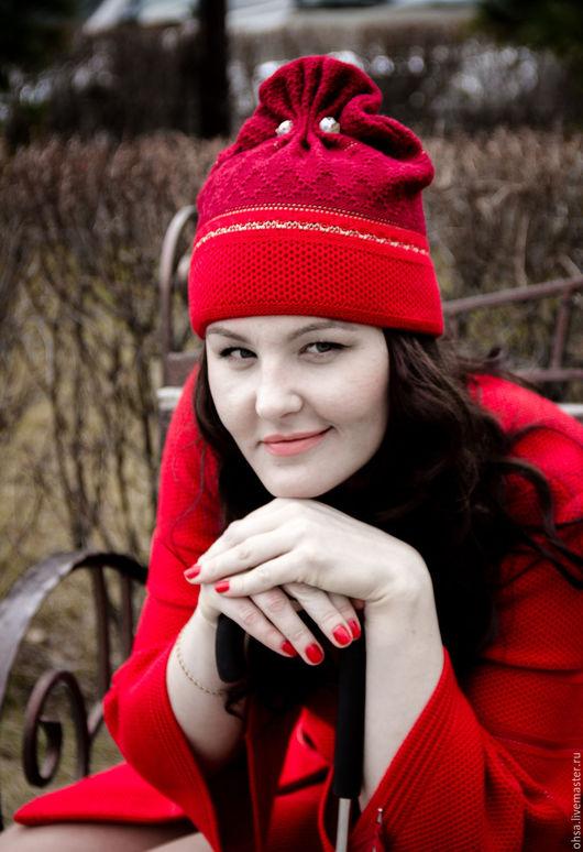 Шапки ручной работы. Ярмарка Мастеров - ручная работа. Купить Шерстяная вязаная шапочка с оригинальным дизайном. Handmade.
