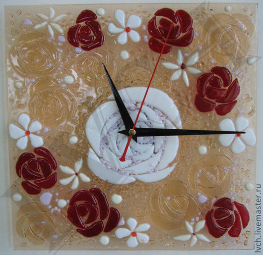 """Часы для дома ручной работы. Ярмарка Мастеров - ручная работа. Купить Часы настенные """"Розы"""" стекло, фьюзинг. Handmade. Букет"""