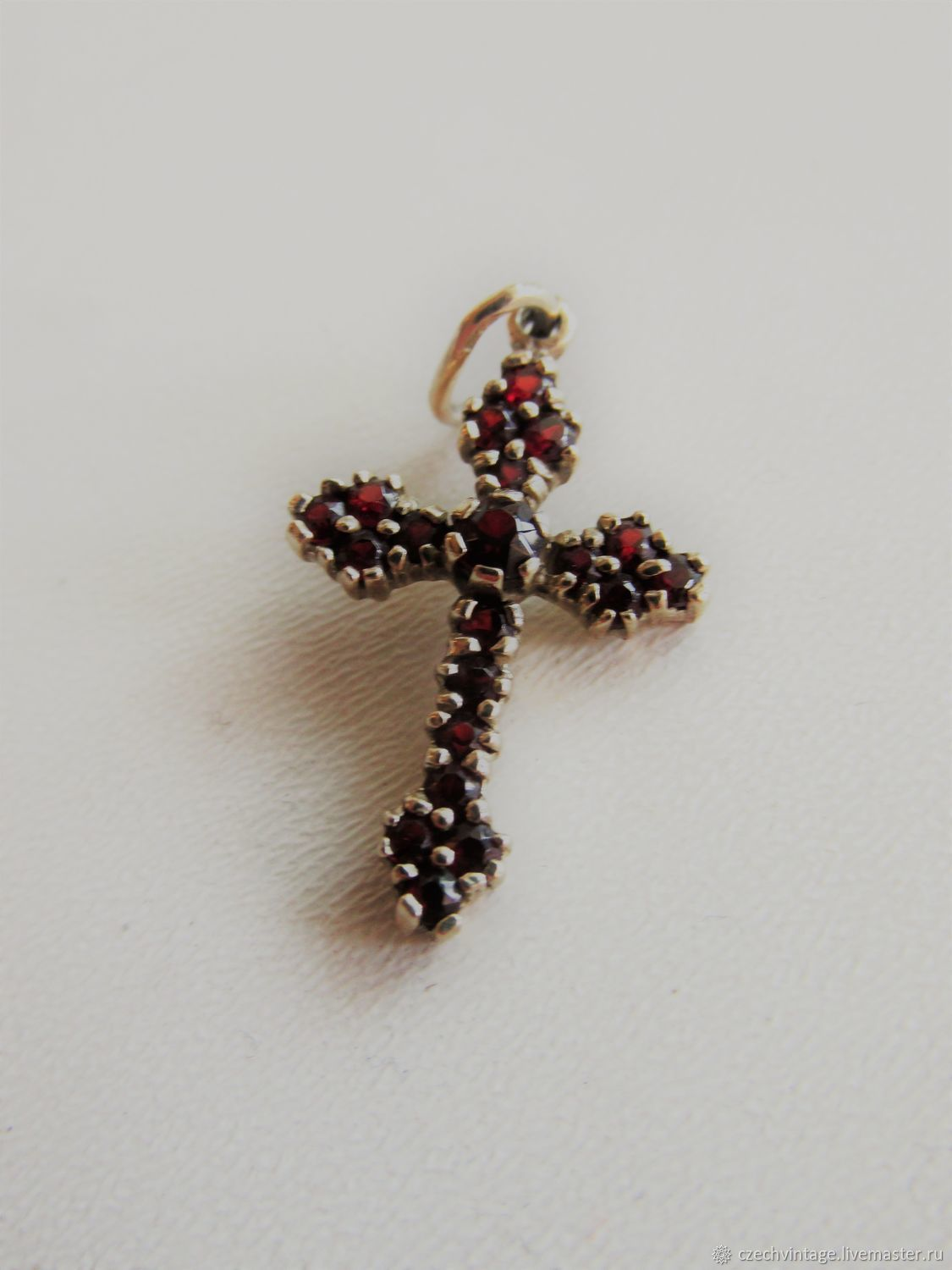 Natural Bohemian garnets. CROSS 900 STERLING SILVER, Vintage pendants, Prague,  Фото №1