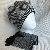 Аксессуары ручной работы. Ярмарка Мастеров - ручная работа Комплект: Вязаная шапка черно-белая и перчатки. Handmade.