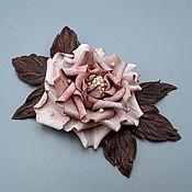 Брошь из кожи  МАДЛЕН, цветок из  натуральной кожи с жемчугом