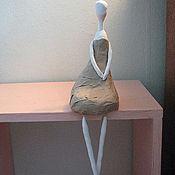 Куклы и игрушки ручной работы. Ярмарка Мастеров - ручная работа статуэтка сидячая девочка. Handmade.