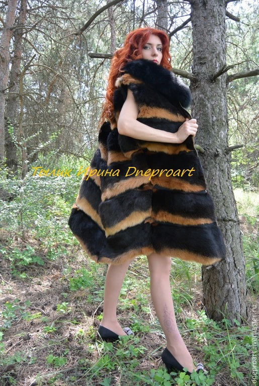 Верхняя одежда ручной работы. Ярмарка Мастеров - ручная работа. Купить Шуба-жилет из черно-огненного кролика с песцовым воротником. Handmade.
