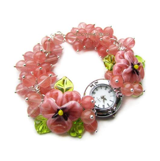 """Часы ручной работы. Ярмарка Мастеров - ручная работа. Купить """"Розовая глазурь"""" часы с бусинами лэмпворк. Handmade. Часы"""