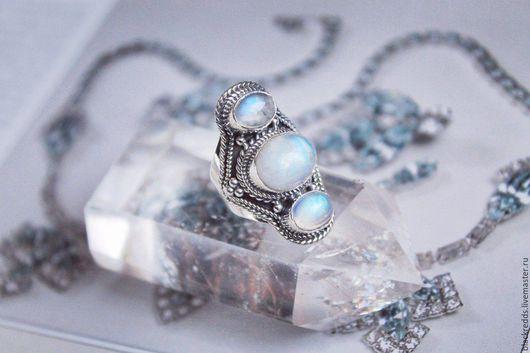 Кольца ручной работы. Ярмарка Мастеров - ручная работа. Купить Серебряное кольцо с адуляром(лунным камнем). Handmade. Серебряный