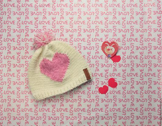 """Шапки ручной работы. Ярмарка Мастеров - ручная работа. Купить Вязаная шапка """"Влюблённость"""". Handmade. Комбинированный, шапка с сердцем"""