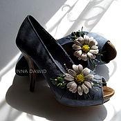 Украшения handmade. Livemaster - original item Leather flowers. Brooches for shoes