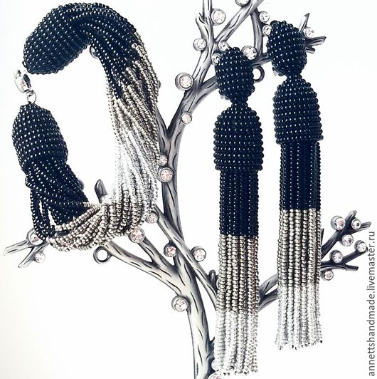 Комплекты украшений ручной работы. Ярмарка Мастеров - ручная работа. Купить Серьги-кисти и браслет из бисера в стиле Оскар де ля Рента. Handmade.