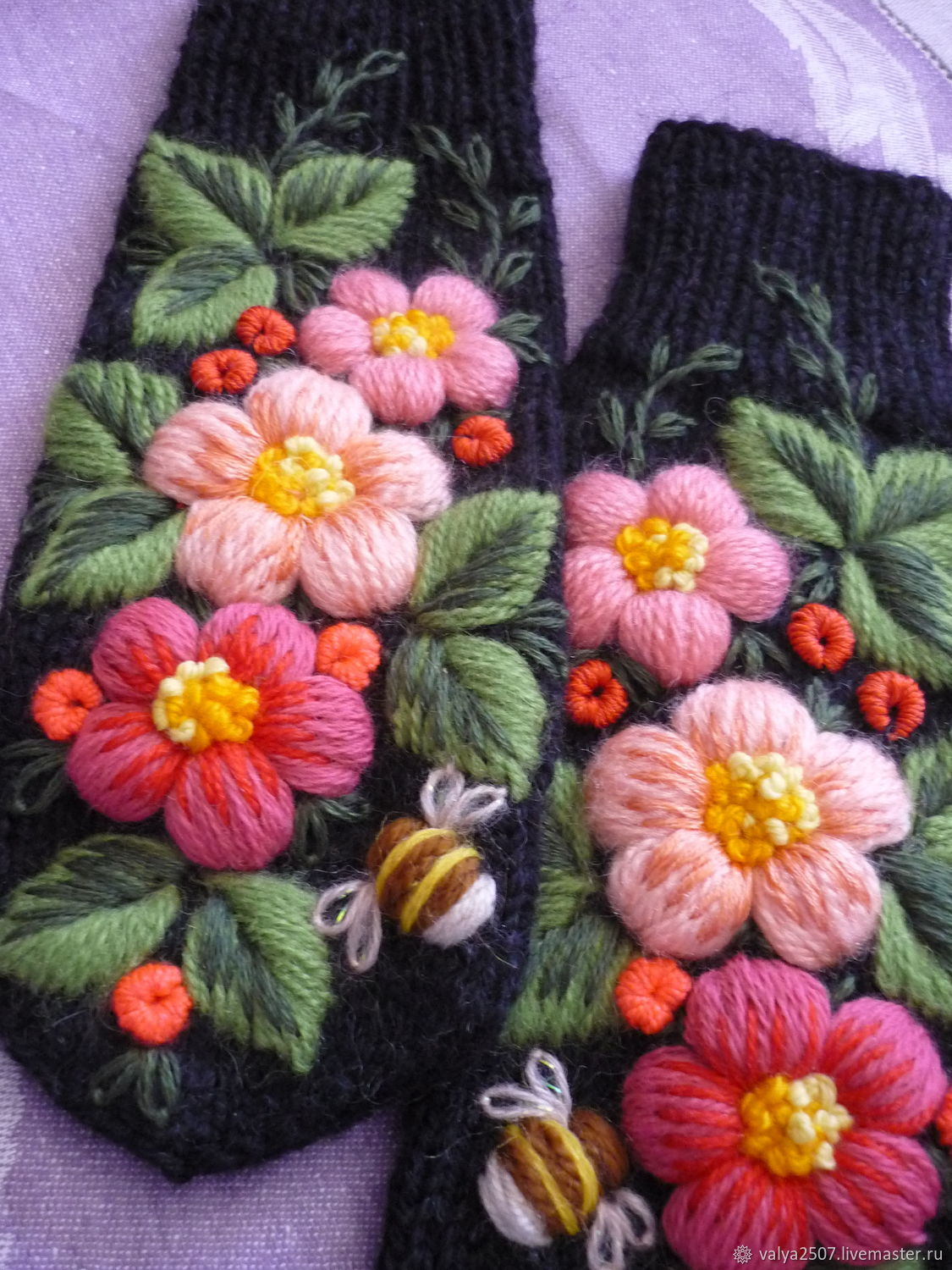 Mittens with hand embroidery 'Berries flowers', Mittens, Gribanovsky,  Фото №1