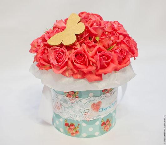 Букеты ручной работы. Ярмарка Мастеров - ручная работа. Купить Мини-букеты из кустовых роз в шляпной коробке ручной работы. Handmade.