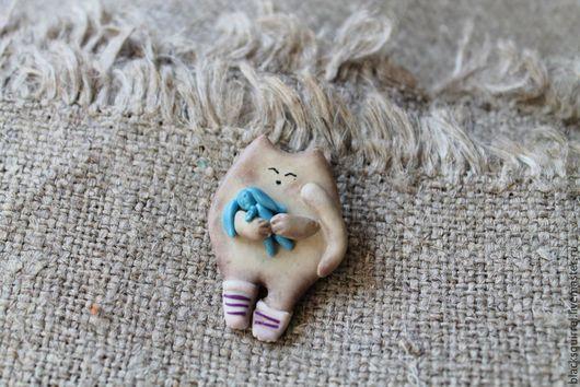 """Броши ручной работы. Ярмарка Мастеров - ручная работа. Купить Брошь """"Котик и зайчик"""". Handmade. Кот, сонный"""