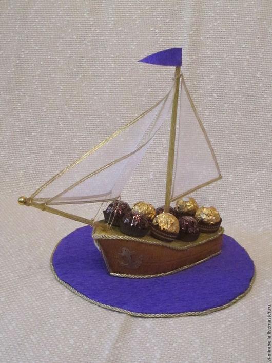 Кулинарные сувениры ручной работы. Ярмарка Мастеров - ручная работа. Купить Кораблик с конфетами. Handmade. Комбинированный, сладкий подарок, подарок