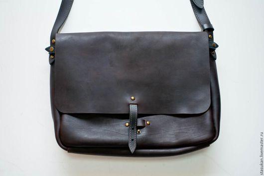 Мужские сумки ручной работы. Ярмарка Мастеров - ручная работа. Купить Сумка почтальон, мужская, кожаная, черного цвета. Handmade.