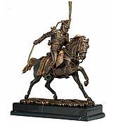 Статуэтка ручной работы. Ярмарка Мастеров - ручная работа Скульптура из бронзы Гусар на коне. Handmade.