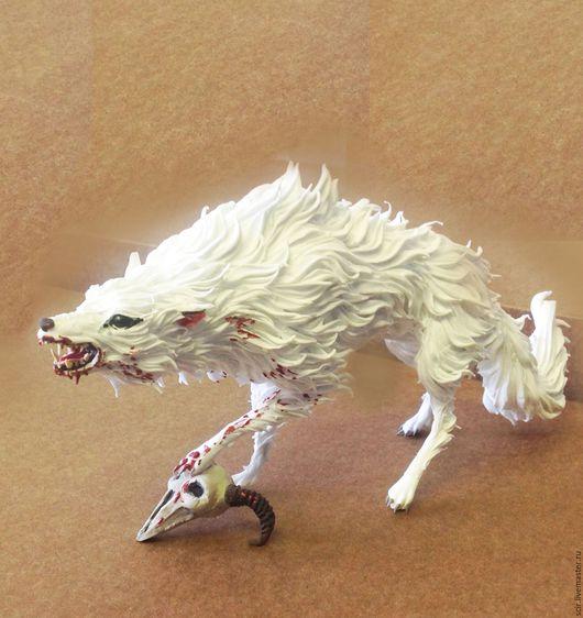 """Игрушки животные, ручной работы. Ярмарка Мастеров - ручная работа. Купить фигурка """"Белый волк с черепом"""" (статуэтка белого волка с черепом). Handmade."""