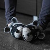 Обувь ручной работы handmade. Livemaster - original item Felted Men`s Raccoon Slippers. Handmade.