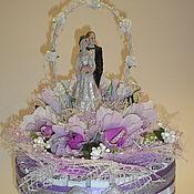 Подарки к праздникам ручной работы. Ярмарка Мастеров - ручная работа Свадебный  торт - шкатулка из конфет. Handmade.