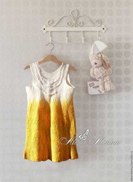 Платье из шерсти и шелка. Легкое, дышащее, невесомое, нежное, очаровательное... для настоящей принцессы.