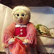 Мягкие игрушки ручной работы. Ярмарка Мастеров - ручная работа Бабушка вязальщица. Handmade.