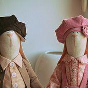 """Куклы и игрушки ручной работы. Ярмарка Мастеров - ручная работа """"Поездки на старом автомобиле..."""" Зая-автомобилист с подружкой. Handmade."""