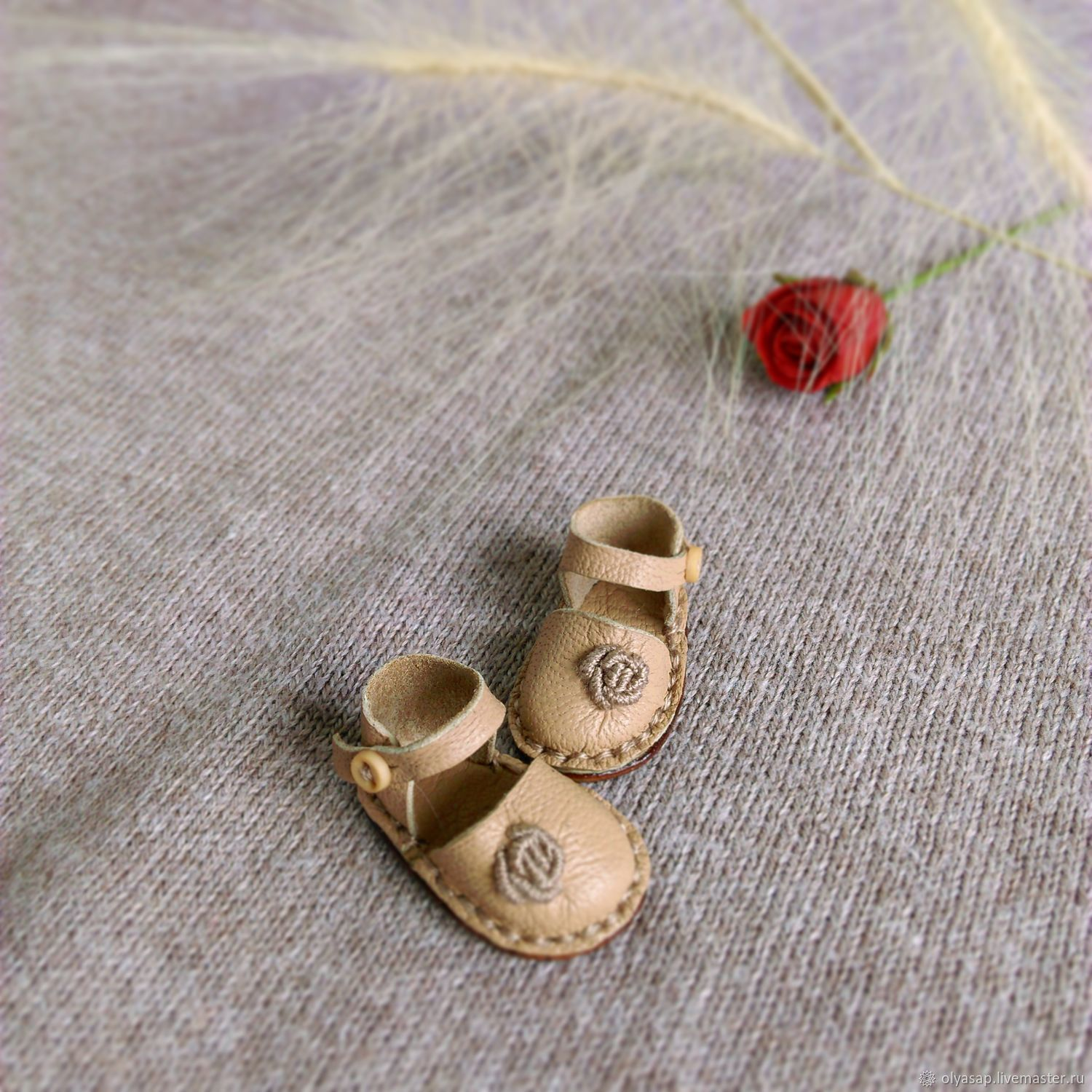 Shoes for Blythe with embroidered rose (color - beige)Leather, Clothes for dolls, Novosibirsk,  Фото №1