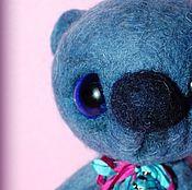 Куклы и игрушки ручной работы. Ярмарка Мастеров - ручная работа Синий мишка с нетерпением ждет хозяйку. Handmade.