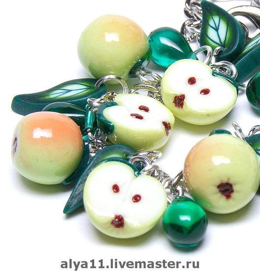 """Браслеты ручной работы. Ярмарка Мастеров - ручная работа. Купить Браслет """"Яблочки"""". Handmade. Пластика, зеленый"""