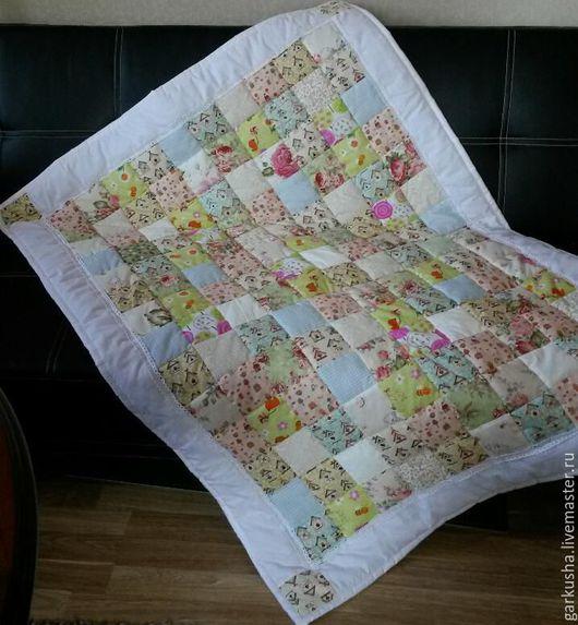 """Пледы и одеяла ручной работы. Ярмарка Мастеров - ручная работа. Купить Лоскутное одеяло """"Утро в саду"""". Handmade. Одеяло"""