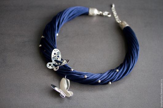 Колье, бусы ручной работы. Ярмарка Мастеров - ручная работа. Купить колье из шелка Бабочки (в синем цвете). Handmade.