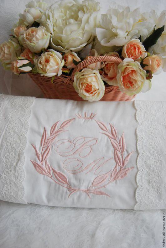 Подарки на свадьбу ручной работы. Ярмарка Мастеров - ручная работа. Купить Вышивка инициалов лавровый венок с короной. Handmade.