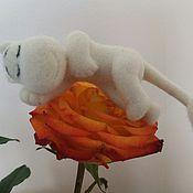 Куклы и игрушки ручной работы. Ярмарка Мастеров - ручная работа Муми-тролль  игрушка из шерсти. Handmade.