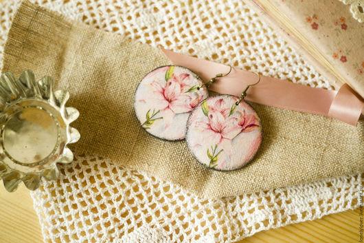 """Серьги ручной работы. Ярмарка Мастеров - ручная работа. Купить Серьги """"Розовые лилии"""". Handmade. Розовый, белый, розовые цветы"""