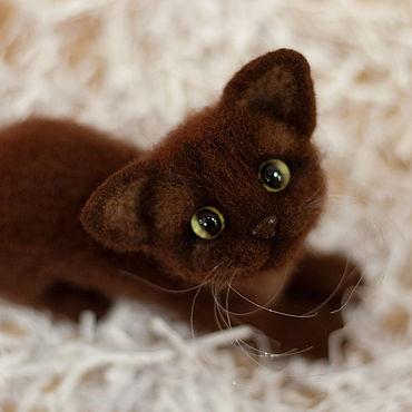 Куклы и игрушки ручной работы. Ярмарка Мастеров - ручная работа Валяная игрушка котенок Коржик. Handmade.